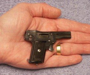 В арсенал Battlefield 1 входит пистолет для лилипутов