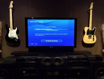 Для чего нужна PlayStation 4 кромеигр?