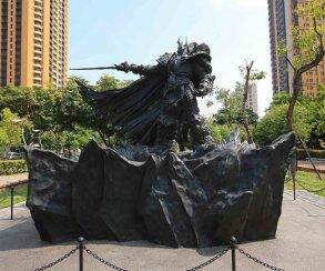 Blizzard показала процесс создания четырехметровой статуи Артаса