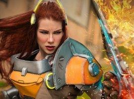 Анастасия Зеленова вновь предстала в образе Бригитты из Overwatch. На этот раз уже в броне!