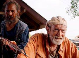 «Надо делать все, чтобы старики чувствовали себя нужными». Интервью с режиссером Евгением Шелякиным
