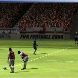 Скриншот FIFA 2004 – Изображение 3