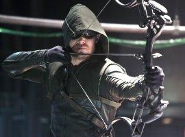 4 причины успеха «Стрелы» отCW. Чем оноказался лучше других супергеройских сериалов