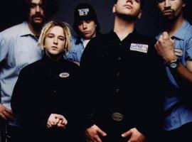 Радио Maximum исключило из эфира песни группы Bloodhound Gang