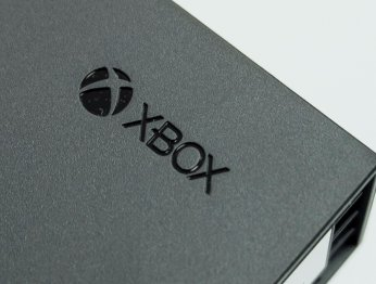 Обзор Xbox One X: Microsoft сделала очень крутую консоль. Надо брать? [+Видео]