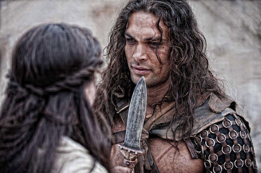 Джейсон Момоа освежает навыки боя на мечах для «Аквамена»   Канобу - Изображение 9968