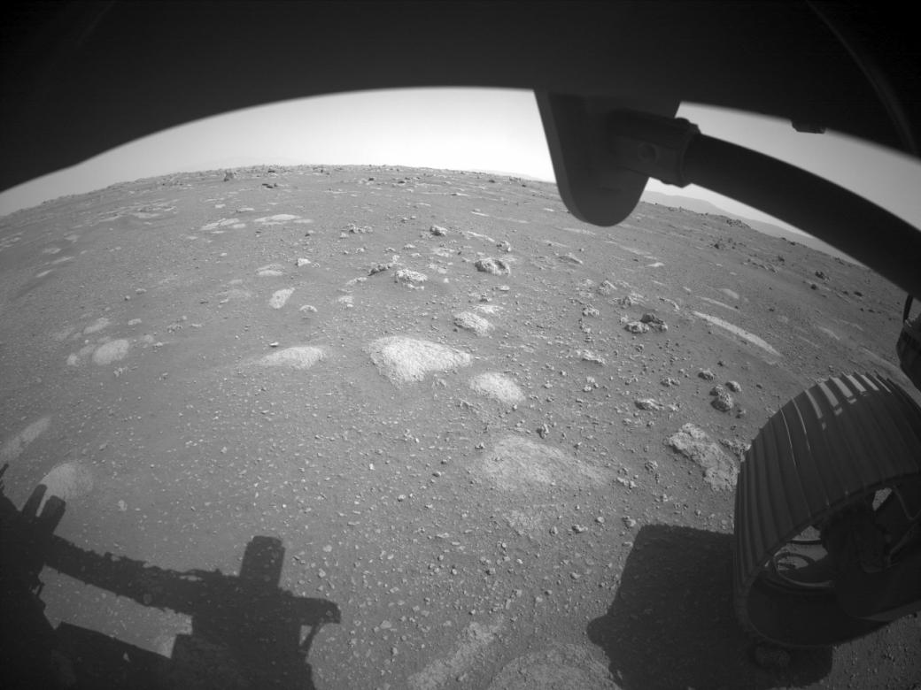 Марсоход NASA прислал на Землю первое видео с Красной планеты   Канобу - Изображение 851