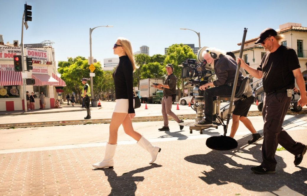 Марго Робби, Леонардо ДиКаприо идругие звезды нановых фото фильма Тарантино «Однажды вГолливуде» | Канобу - Изображение 3