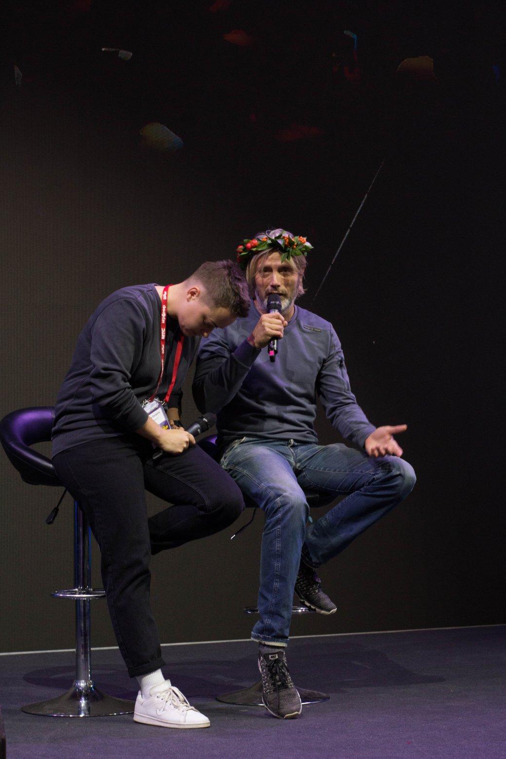 Мадс Миккельсен иНик Перумов. Comic Con Russia и«Игромир» 2019. День2 | Канобу - Изображение 2